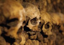Pestoffer i en katakomb